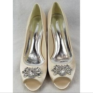 Unbranded women's satin rhinestone shoes